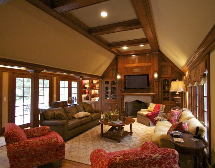 Live The Traditional Way With Tudor Style Home Decor