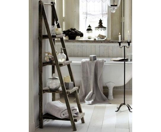 Intelligent Bathroom Storage With Ladder Racks