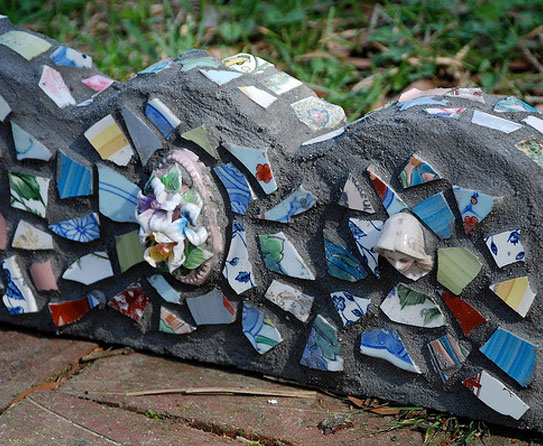 Summer Diy Projects Garden Mosaics